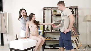 Nude models Stefany and Alina enjoy having anal triad with a painter