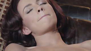 Victoria Lynn pleases herself with respect to a pussy massage