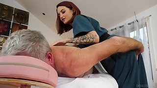Cute masseuse Lola Fae rides turned on older client in cowgirl posturing